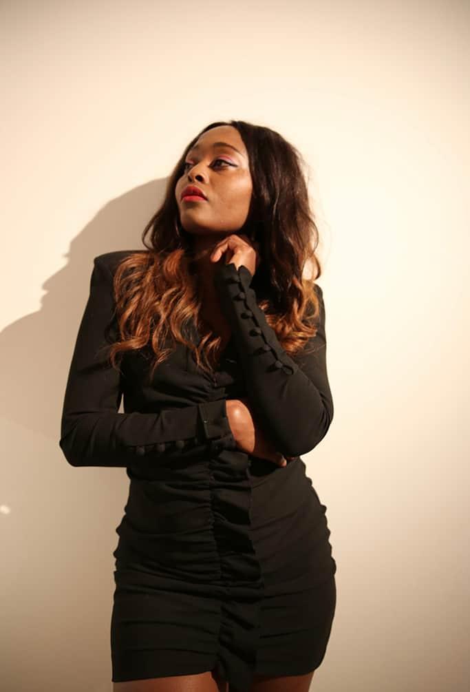 blogueuse black en robe noire