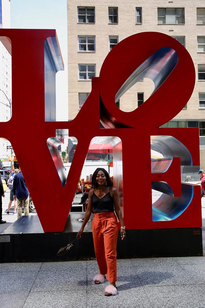 voyage a new york sculpture love