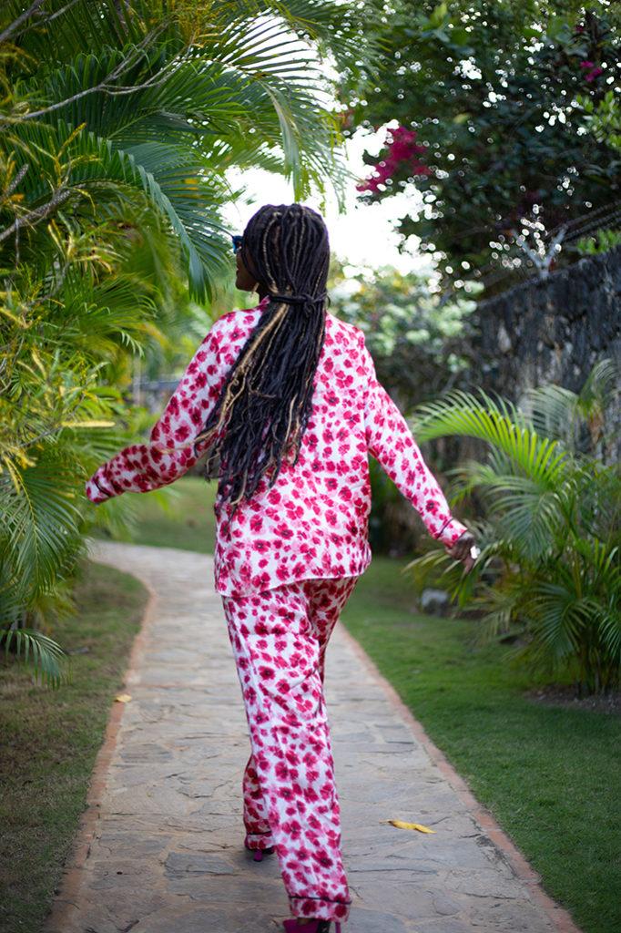Look-avec-un-ensemble-pyjama